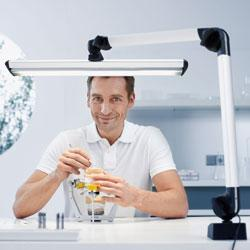LED lighting for dental laboratories