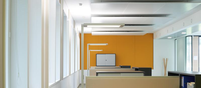 Free-Standing Luminaire LAVIGO VTL - In the middle of the day