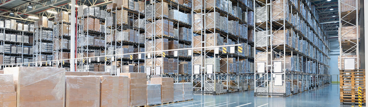 Luminaires for logistics halls